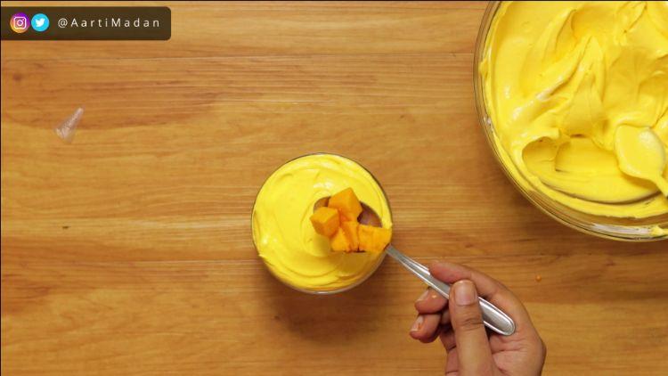 Mango Mousse Recipe - Garnishing