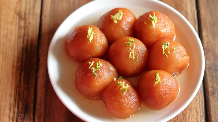bread gulab jamuns are ready