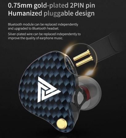 0,75 2-pin afneembare kabel, dus je kan ze ook draadloos maken