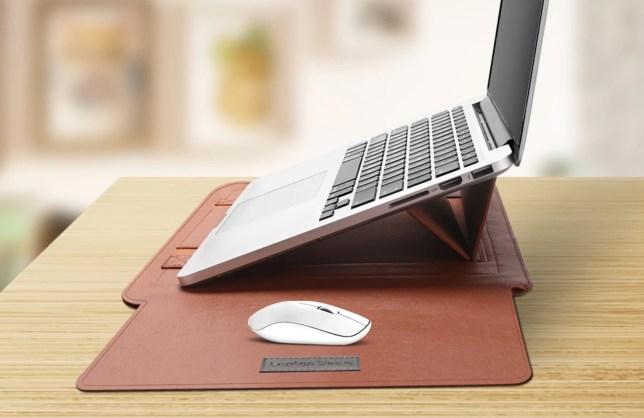 laptophoes met laptopstandaard en muismat