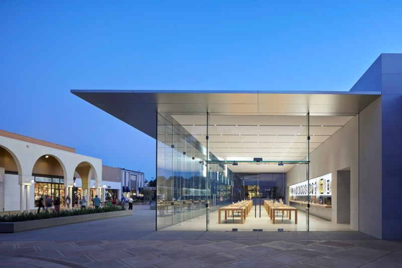 Apple Store in Stanford Palo Alto