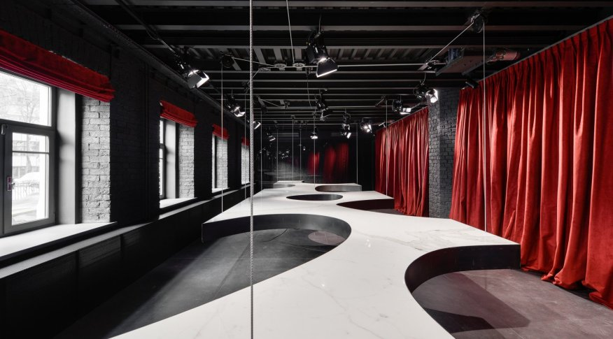 Supersurfacespace Moscow Iris Gallery for Contemporary Design