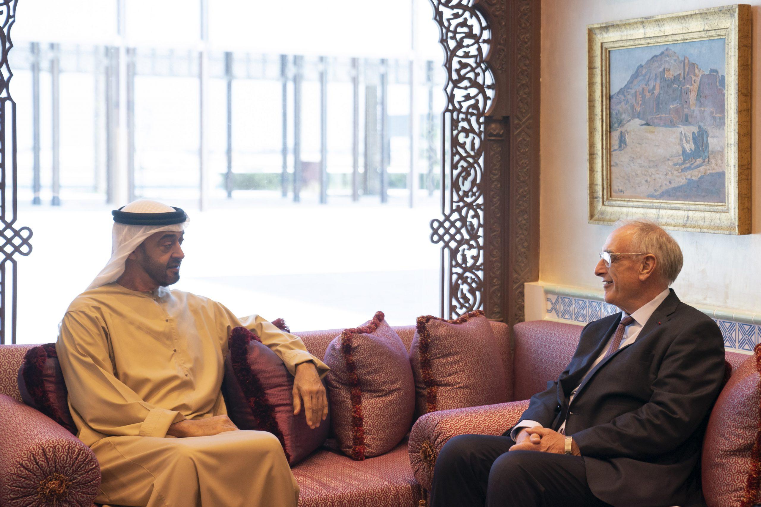 محمد بن زايد يستقبل رئيس مجموعة نافال الفرنسية