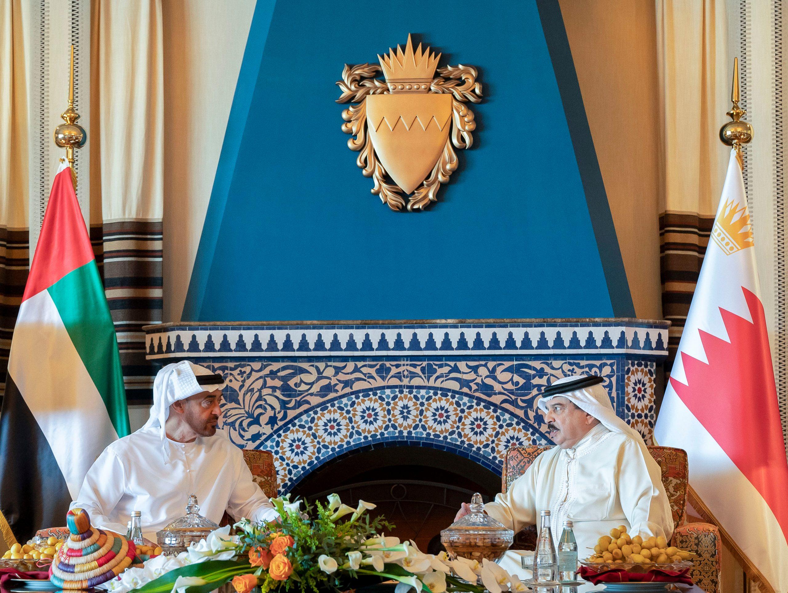 #محمد_بن_زايد و #ملك_البحرين يبحثان العلاقات الثنائية
