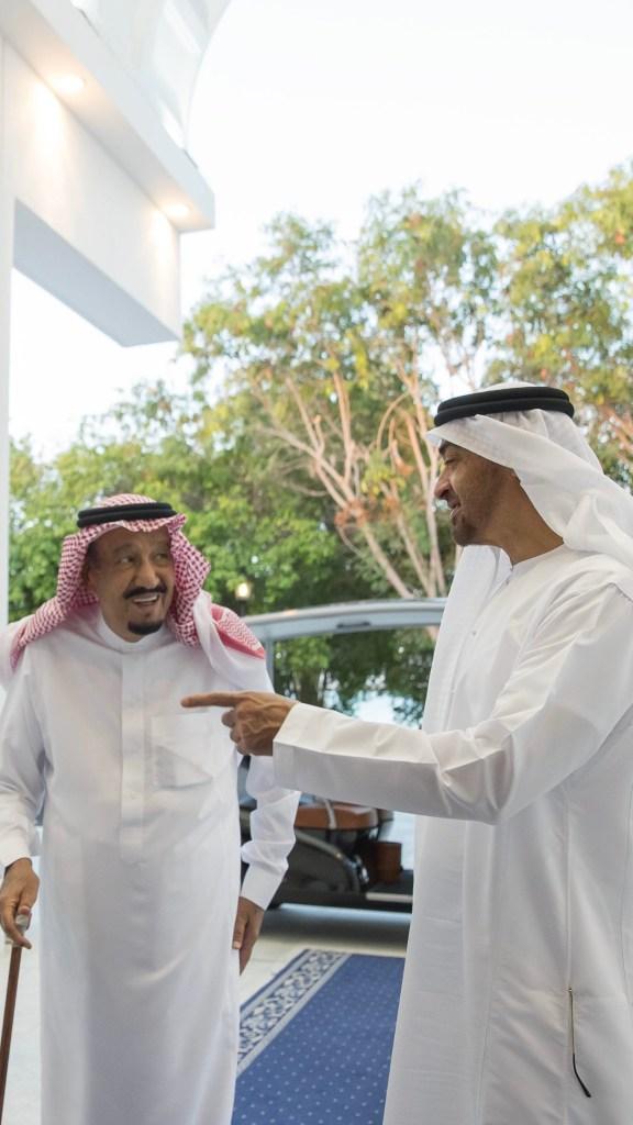بالصور : خادم الحرمين يستقبل محمد بن زايد ويبحث معه تعزيز العلاقات الأخوية وعدد من القضايا الإقليمية والدولية ذات الاهتمام المشترك