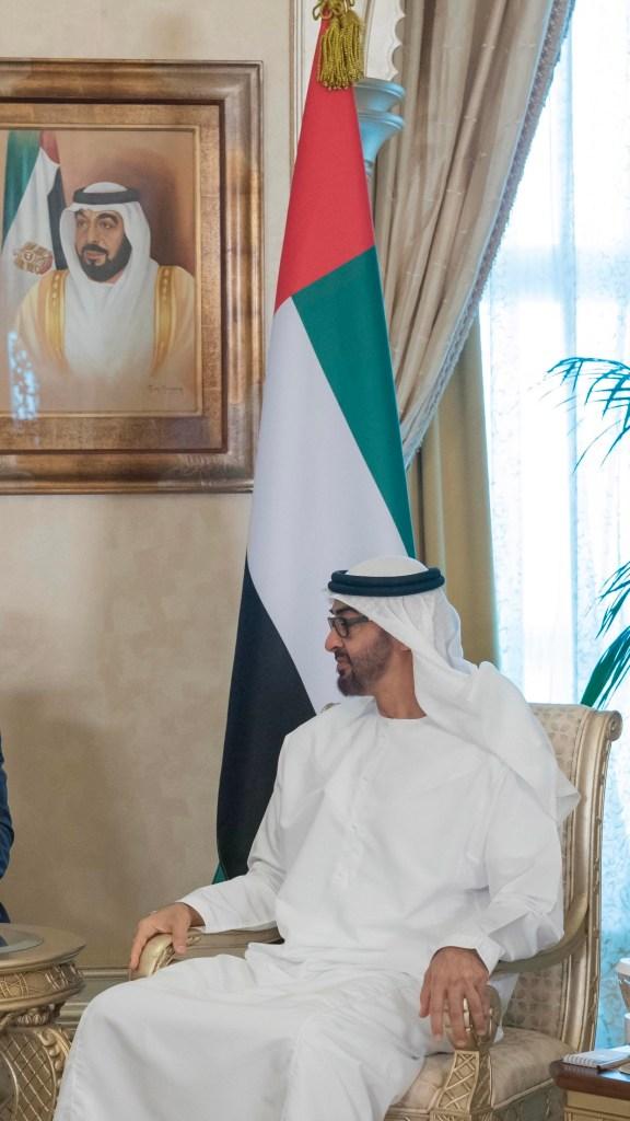 محمد بن زايد يستقبل رئيس بيلاروسيا ويبحث معه تعزيز علاقات الصداقة والتعاون بين البلدين ومجمل القضايا ذات الاهتمام المشترك