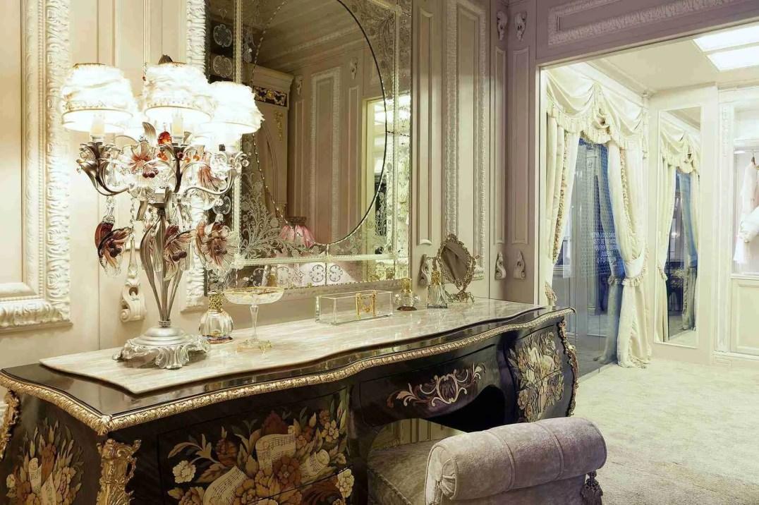 Specchio in vetro di Murano inciso e molato