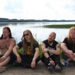 """Heavy Metal Perseen tie vei lukiolaisbändistä fantasiametallin konkariksi: """"Mukana tulee olla pieni vaaran tuntu."""""""
