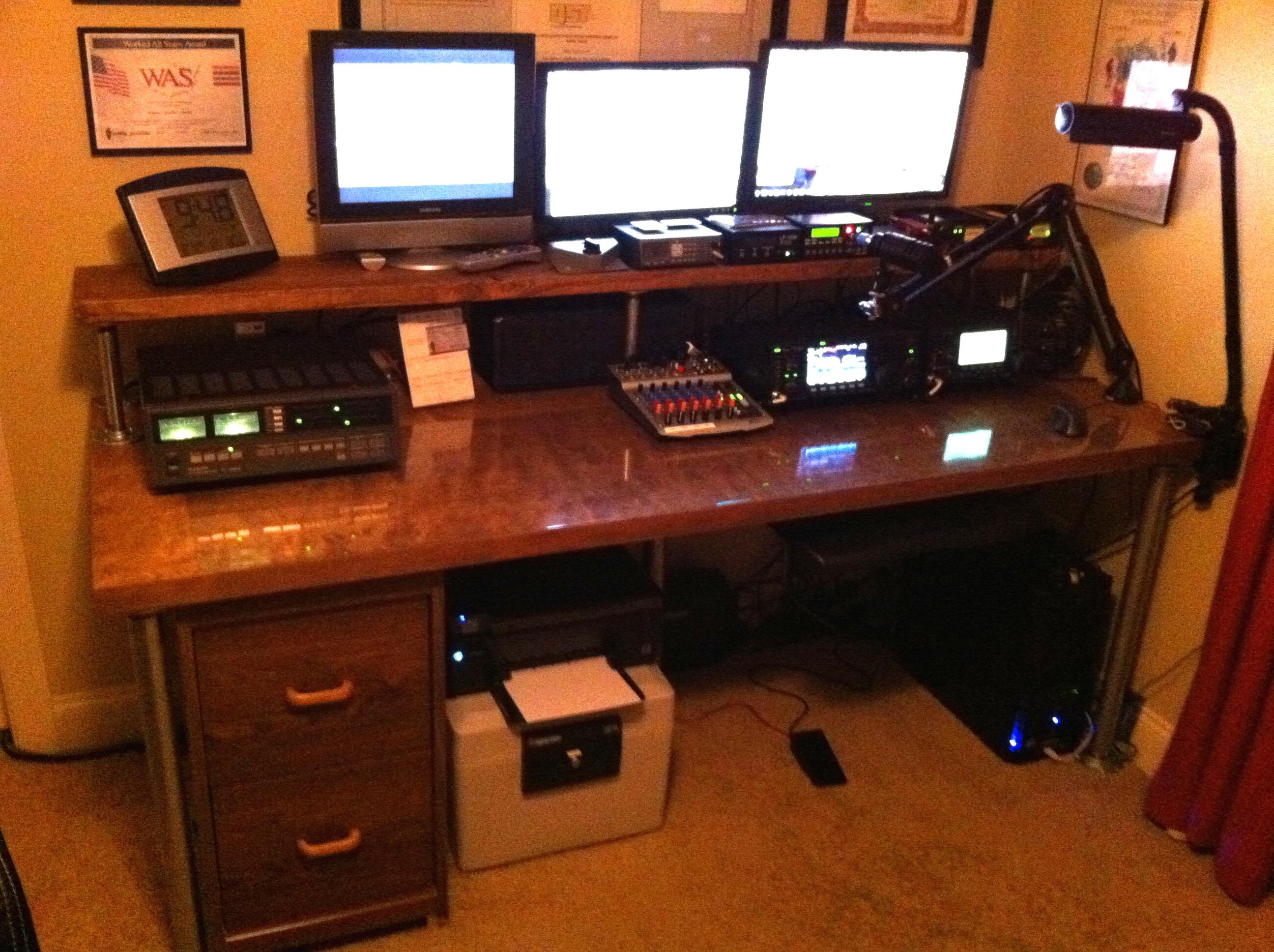 The Great Ham Radio Desk Project