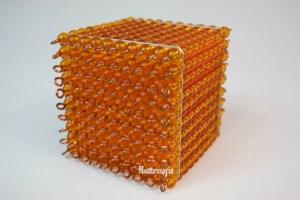 183 - Cube de 100 Perles Dorées