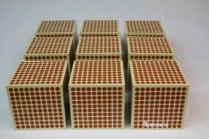 184 - 9 Cubes de 1000