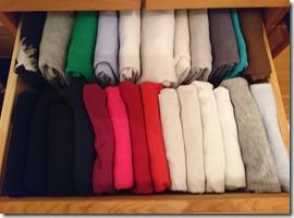 Vêtements pliés et rangés selon la méthode KonMari _ Ababricabrac
