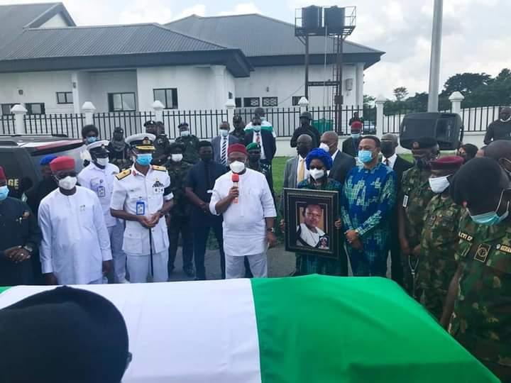 Uzodimma receives body Ndubuisi Kanu