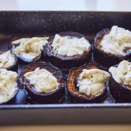 Berenjenas a baja temperatura con mozzarella fresca y aceite de menta