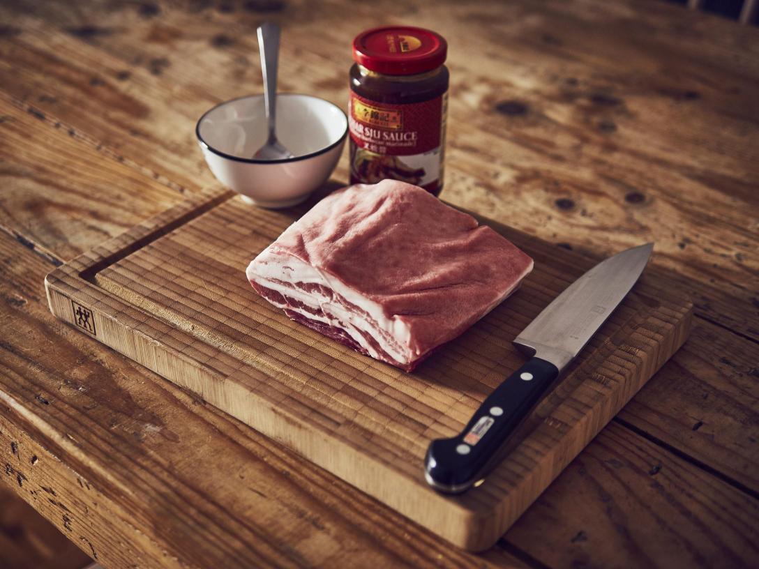 Panceta a baja temperatura sous vide con salsa Char Siu