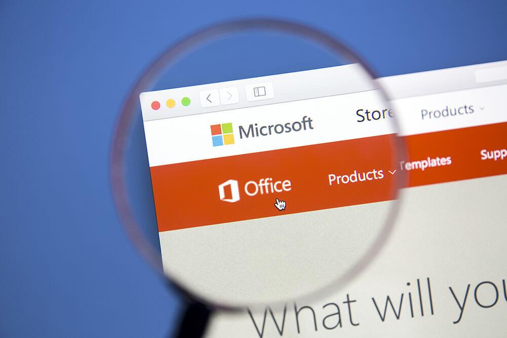 Microsoft Office-Website auf einem Computerbildschirm