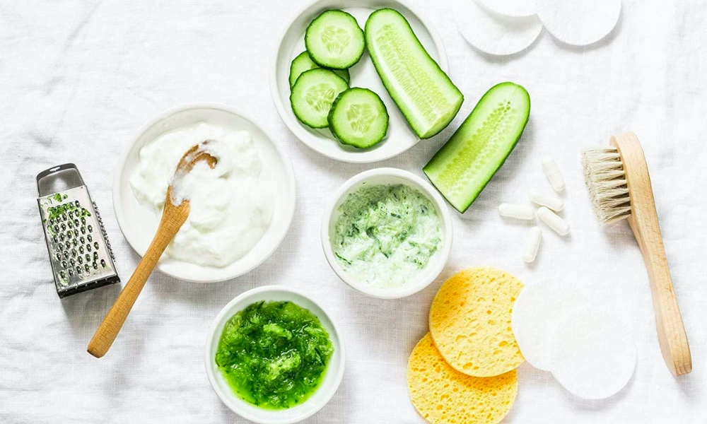 mint and yogurt face mask featured