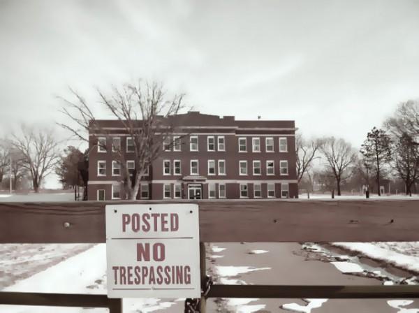 Norfolk Hospital Incurably Insane No Trespass.jpg Eklund 1