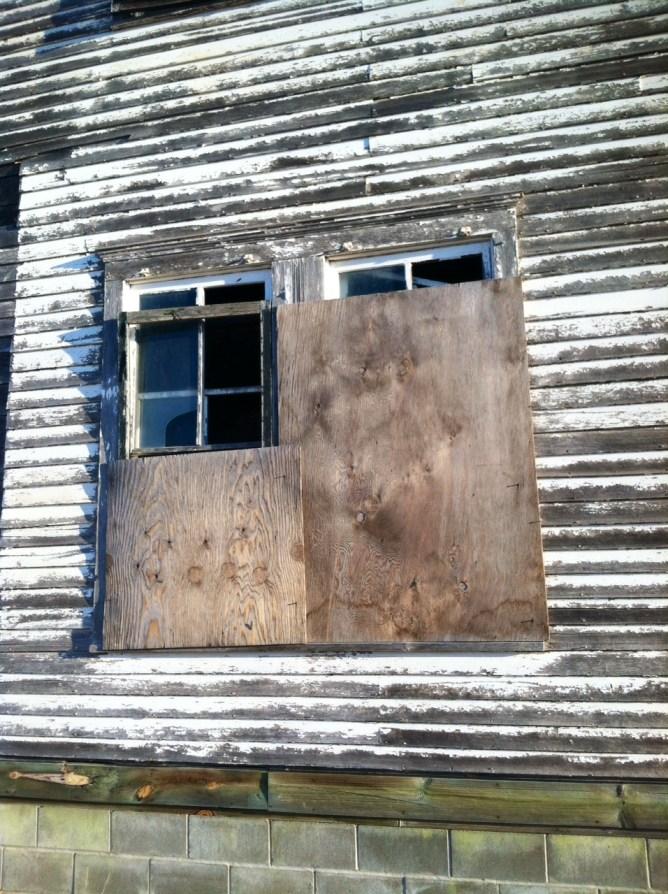 Old School Kearney Window10.JPG
