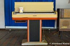 Abandoned Vintage Yamaha Keyboard