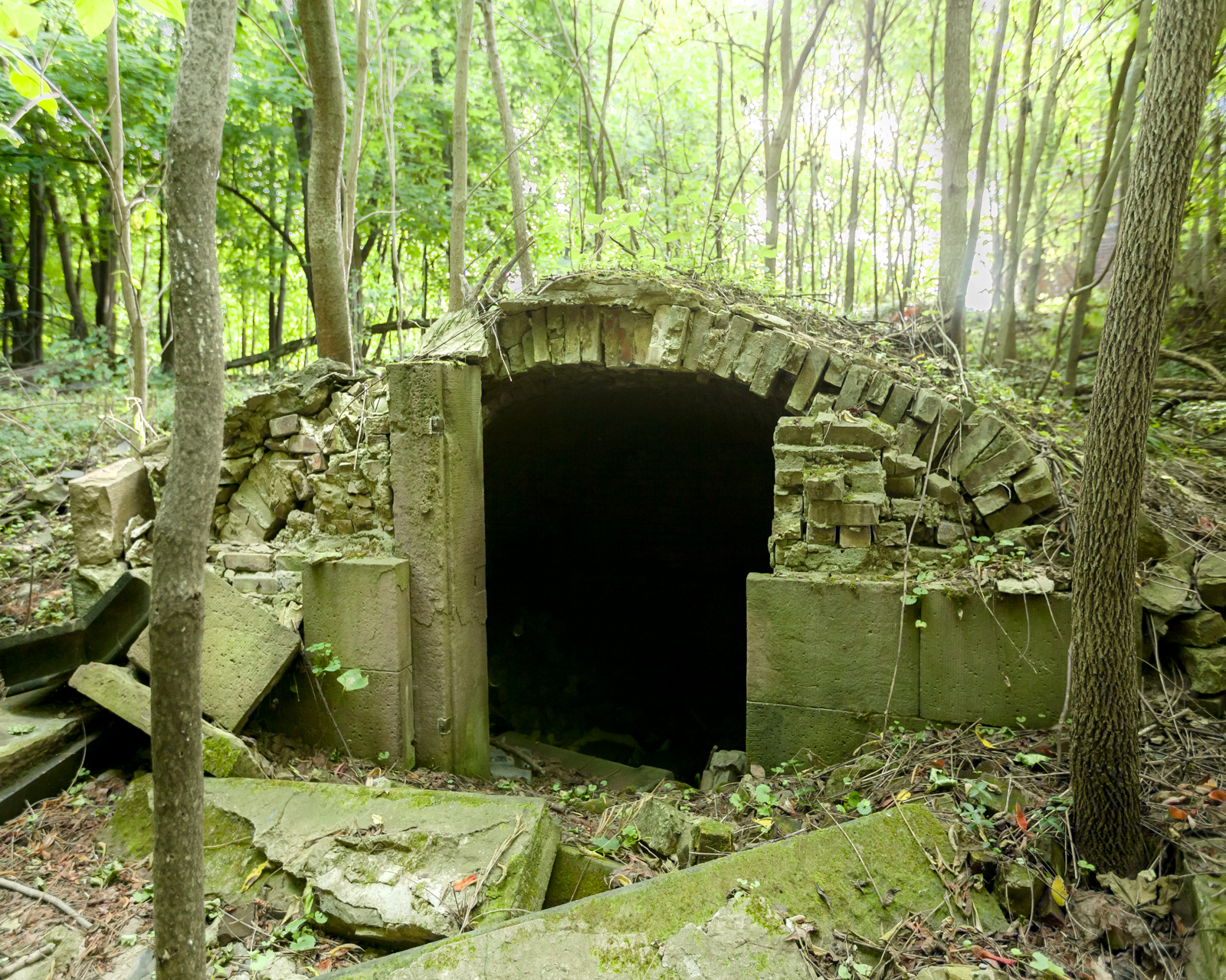 Tomb Raiding in the Old Dutch Cemetery  AbandonedNYC