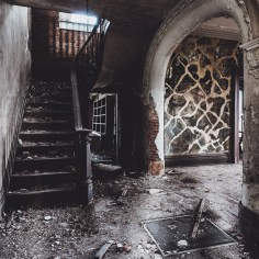 William Tarr House Foyer