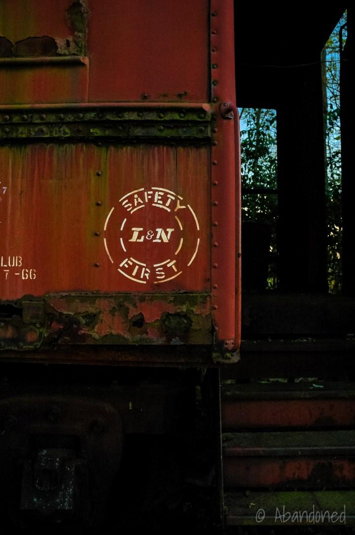 Louisville & Nashville Railroad L&N 42106 Passenger Car