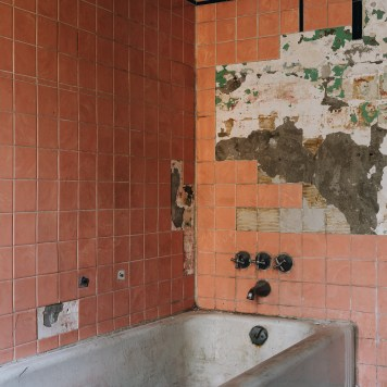 Ohio State Reformatory Bathtub with Vintage Pink Tiles