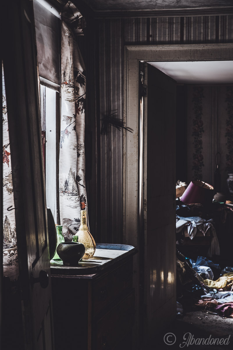 Abandoned Decorations and Antiques