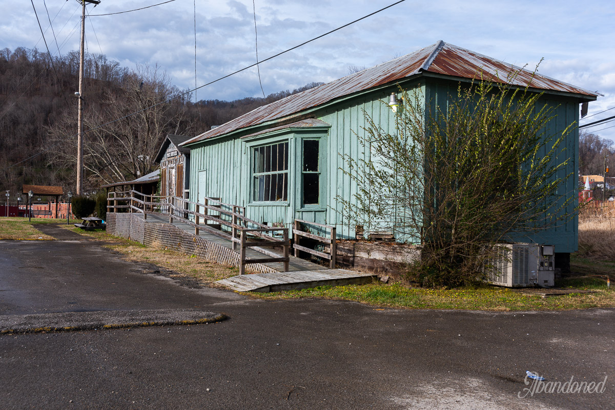 K&M Junction Depot