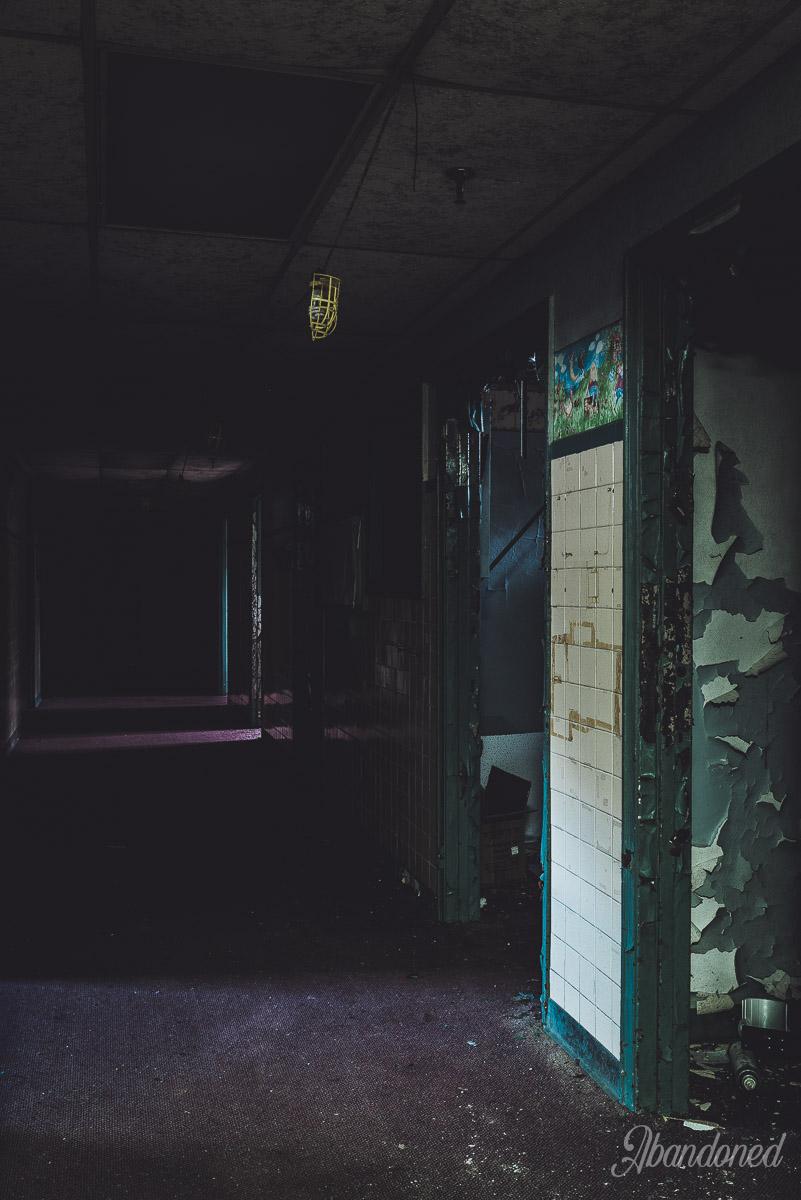 Williamson Memorial Hospital Typical Basement Interior - Hallway