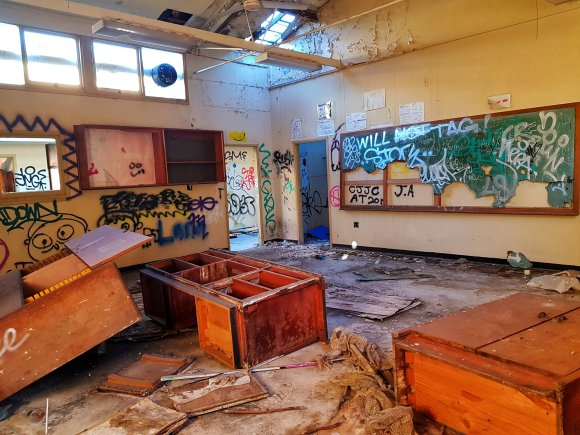 Abandoned Macquarie Boys' Technology High School (Parramatta, Sydney) – Derelict World Photography - Lainey Quinn