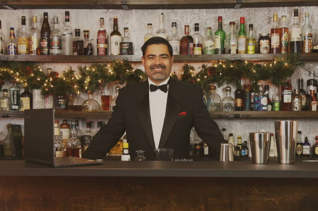 How to Make Money Hosting Corporate Happy Hours
