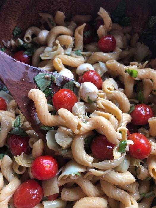vegetarian pasta salad caprese 1
