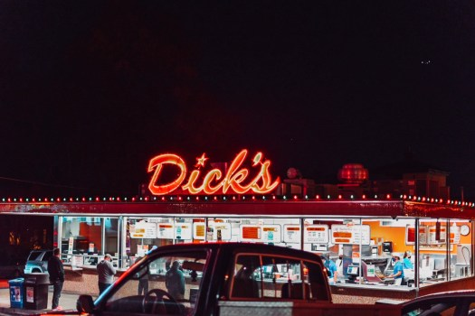 Dick's Drive In Seattle With Christmas Lights Wallingford Location