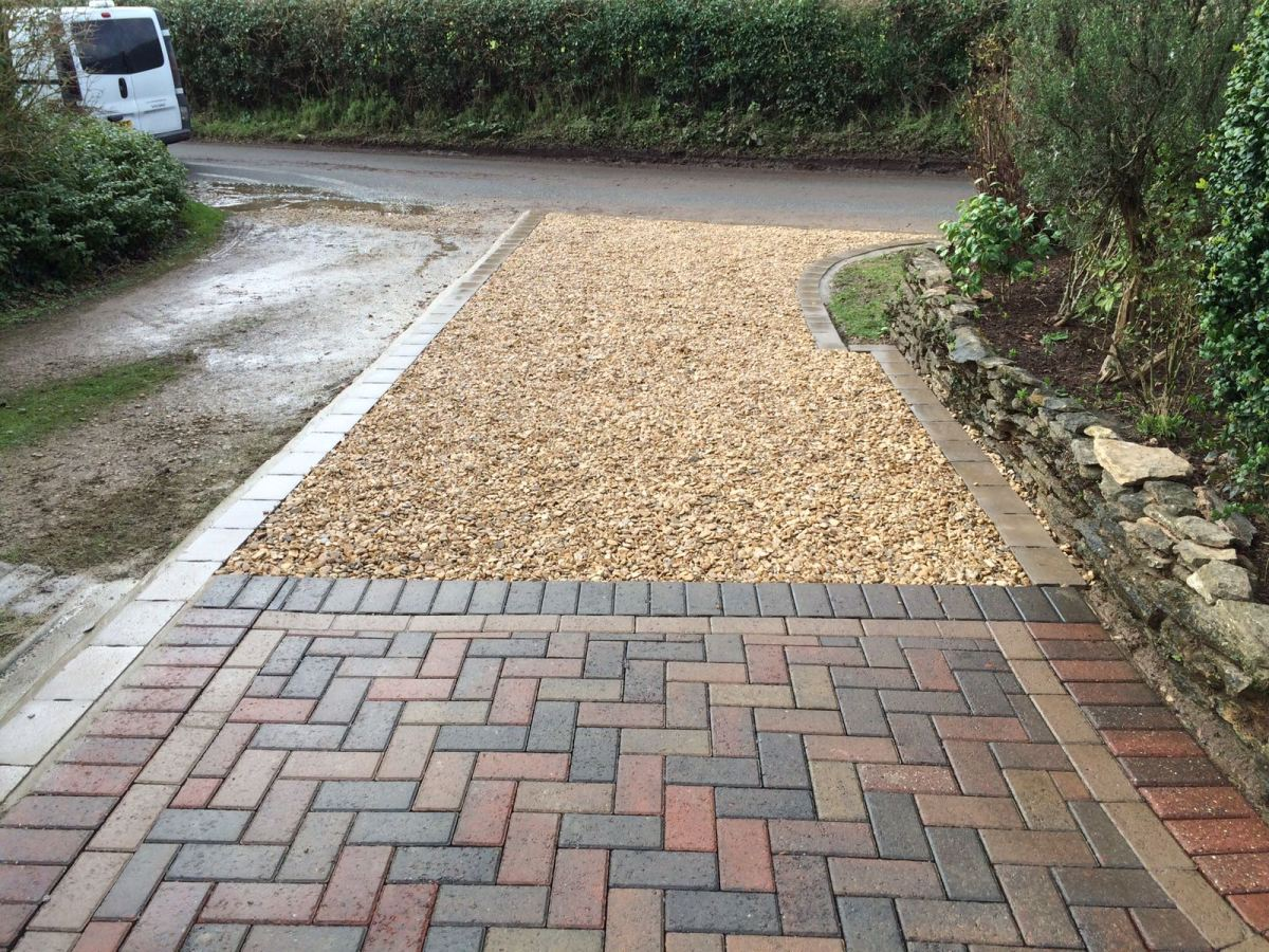 Gravel Driveways Installations in Bury - Affordable Low ... |Stone Driveways
