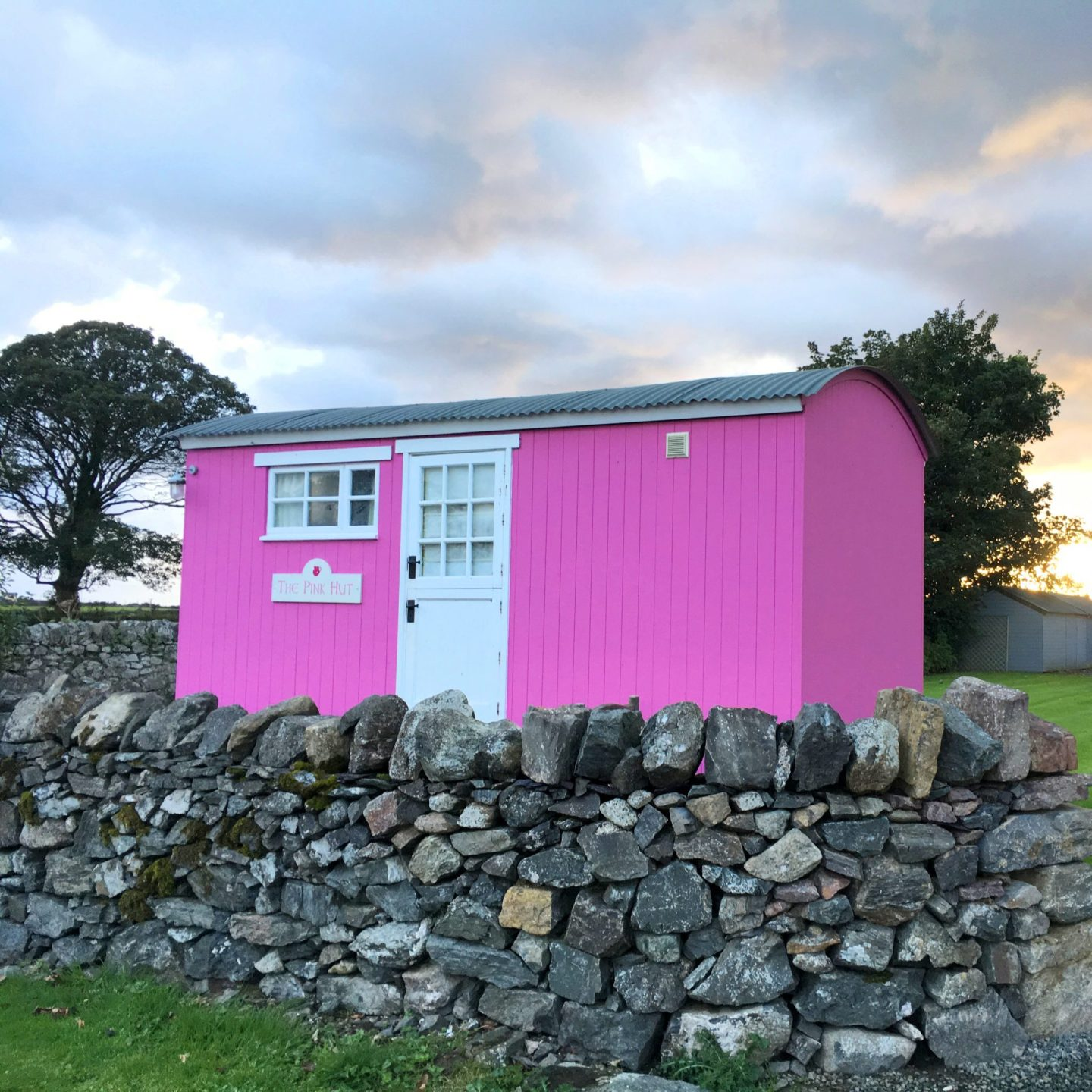 A Weekend At The Pink Hut On Anglesey Abbie Jade Wanders