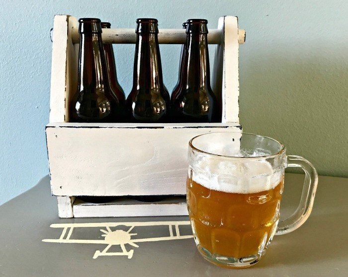 Vintage DIY Wooden Beer Caddy Plans