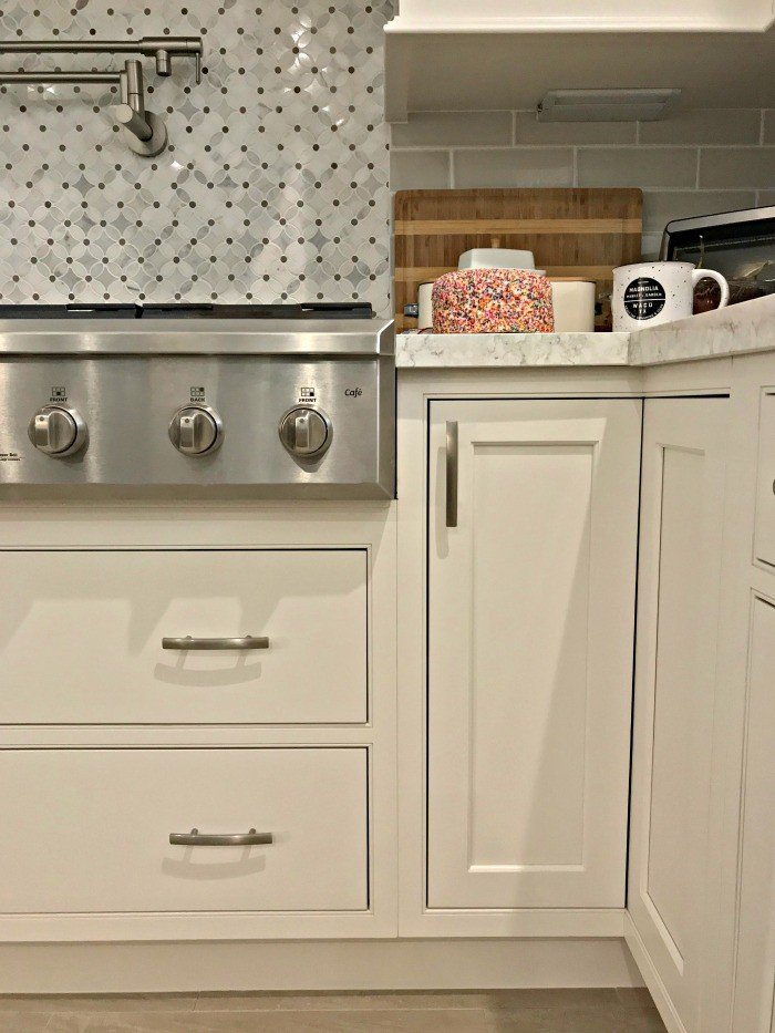 Easy DIY to Fill the Small Gap Under Cabinets