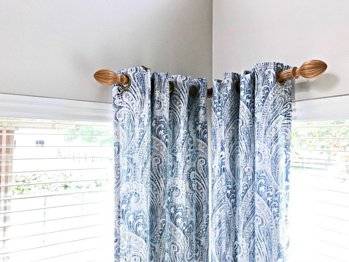Here's a Quick and EasyDIY Fix for Broken or Lost Valance Clips, you can do in 5 minutes! Repair those wood or vinyl blinds valance clips with my favorite DIY hack product. #DIYHack #DIYProject #HomeImprovement #Blinds #AbbottsAtHome