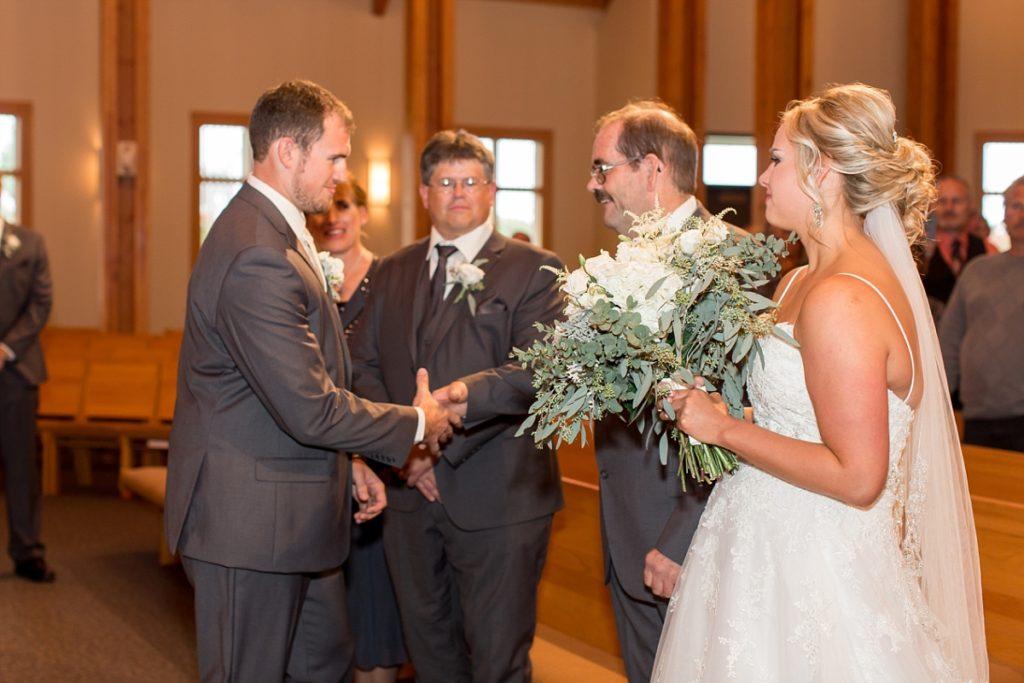 South Fargo Hope Lutheran Church Oxbow Country Club Wedding Photographer