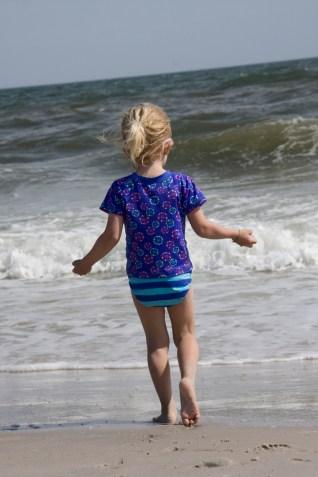 si je jette du sable dans la mer