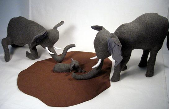 Elephant_mud_rescue