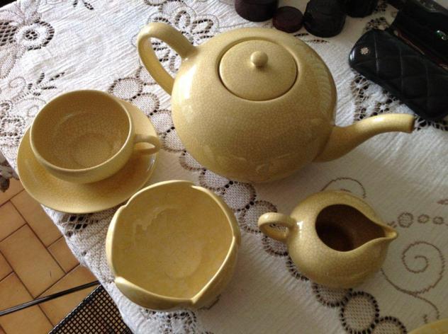 Service à thé en faïence