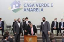 Bolsonaro-lanca-programa-habitacional-Casa-Verde-e-Amarela