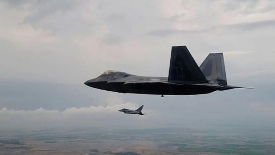 F-22: el caza más letal de EE.UU. junto a Eurofighter y F-18 ...