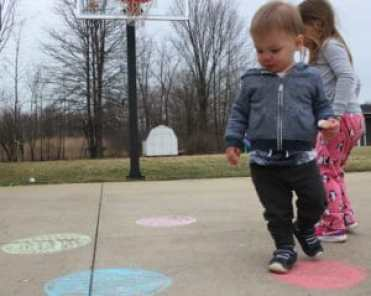 games that teach toddlers colors