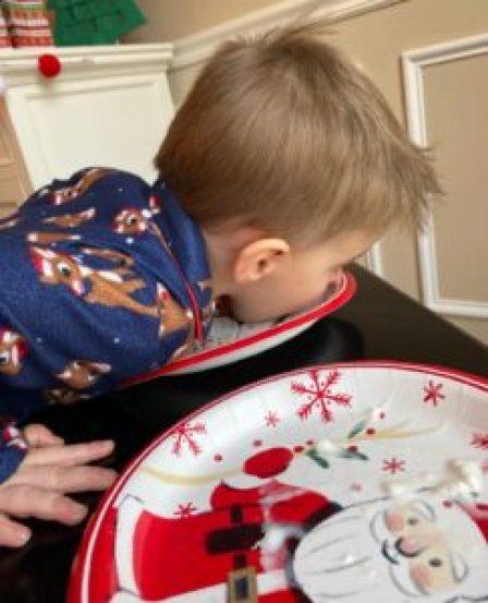 Dot gobble whip cream eating game for kids