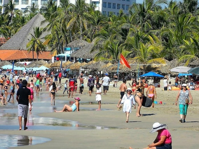 aumento-turismo-zihuatanejo-.jpg