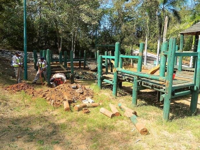 desmantelan-parque--zihuatanejo.jpg